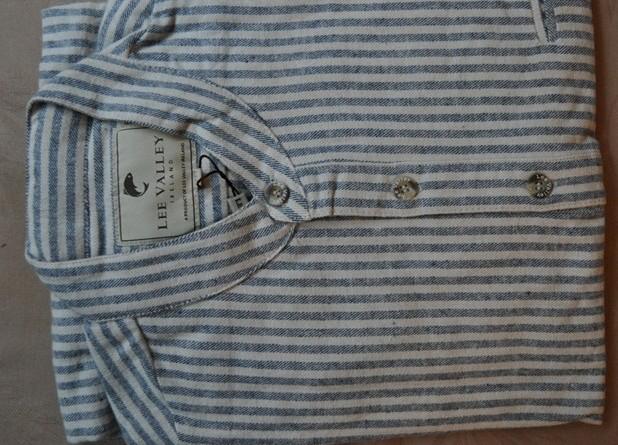 Hellblaues Flanellhemd mit Offizierskragen Flanellhemden