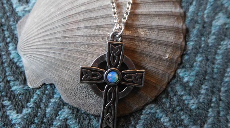 Keltisches Kreuz mit Mondstein