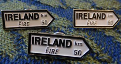 Pin irischer Wegweiser