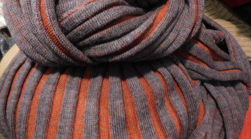 Gerippte leichte Schals