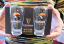 Miniatur Glas-Set mit Toucan