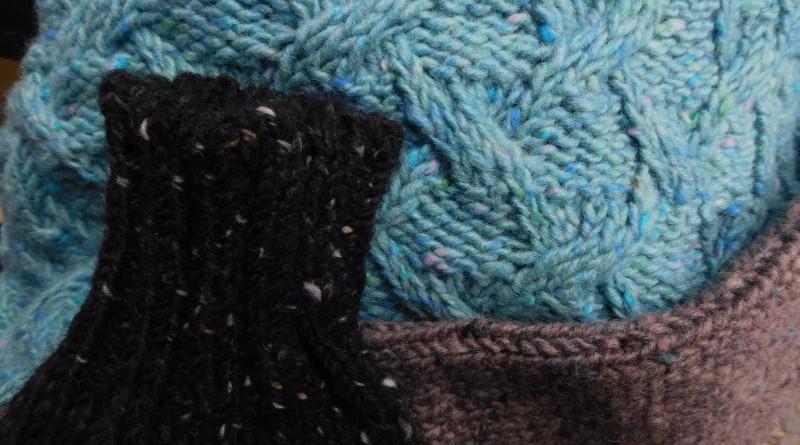 Dreifarbiger Wollpullover